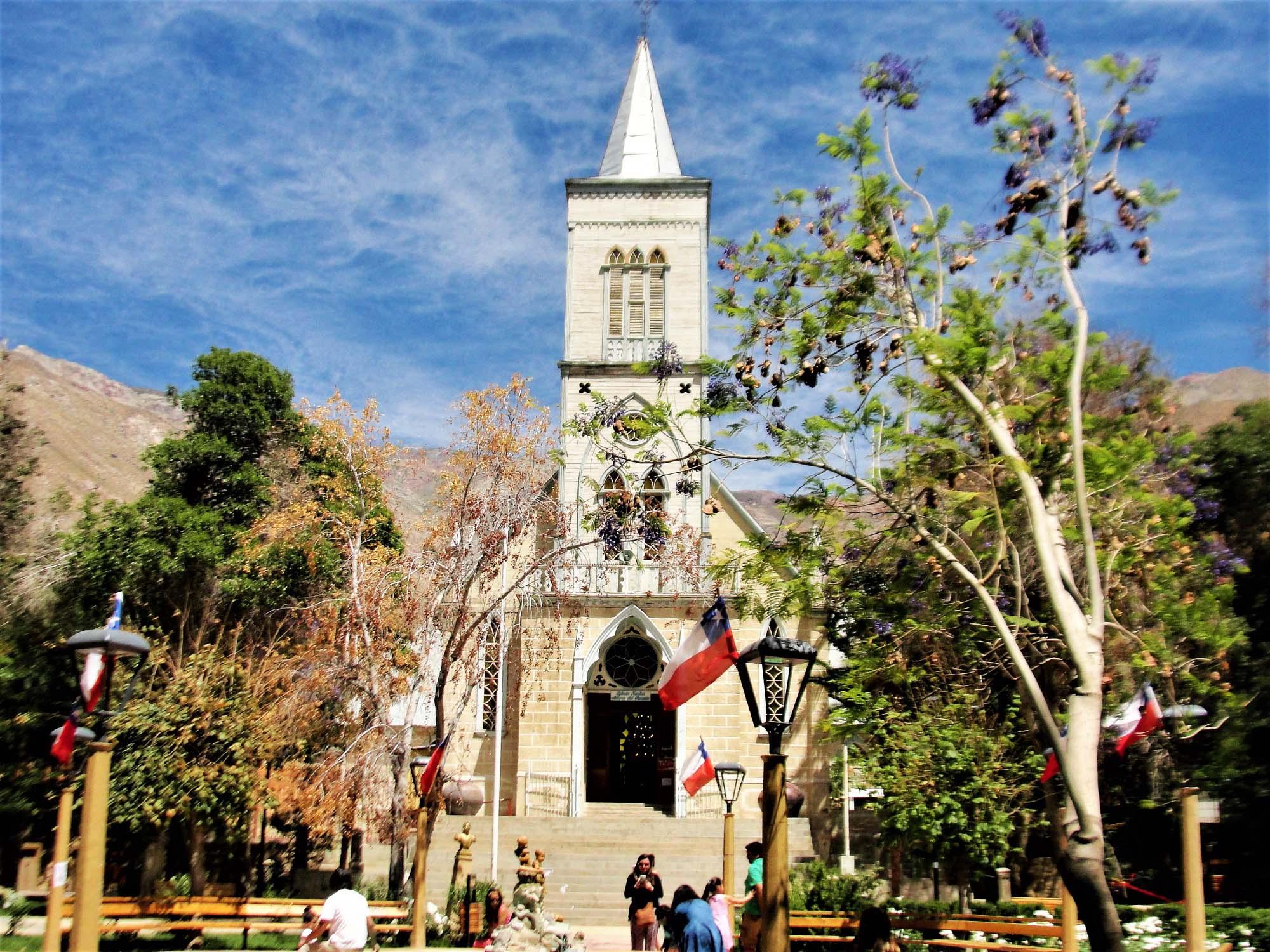 turismochile_piscoelqui_iglesia